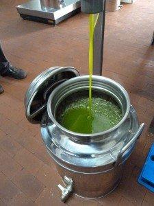 fresh new oil into the fusto